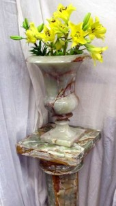 Fossil Crystals Onyx Vase on Stand